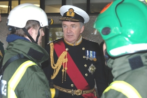 Lord West meets members of the Service's HART team