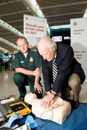 Cardiac arrest survivor Wilhelm Schleibach resfreshing his basic life support skills