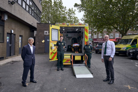 Mayor stood with two medics in uniform and LAS chief executive